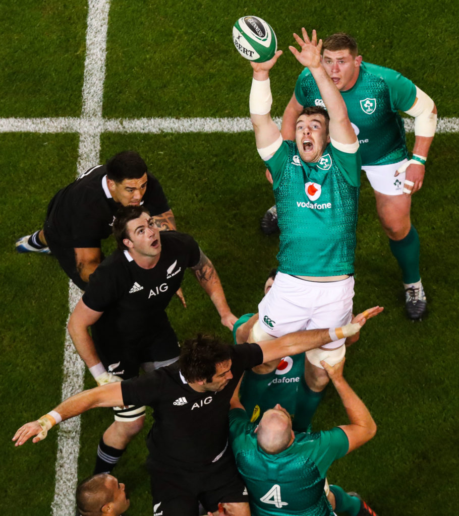 Guinness Series, Aviva Stadium, Dublin 17/11/2018 Ireland vs New Zealand All Blacks Ireland's Peter O'Mahony claims a line out Mandatory Credit ©INPHO/Tommy Dickson