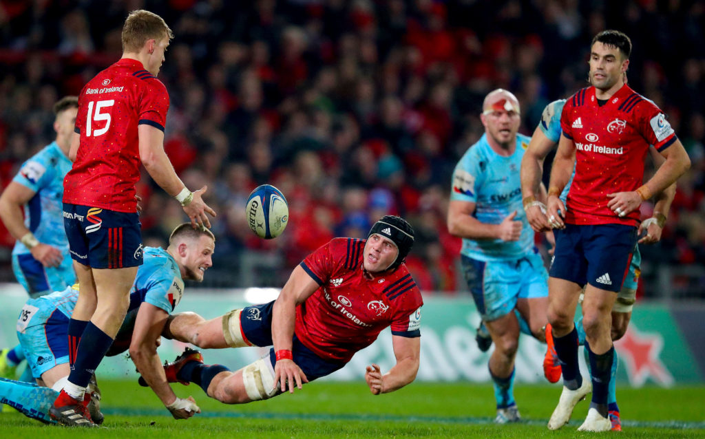 Heineken Champions Cup Round 6, Thomond Park, Limerick 19/1/2019 Munster vs Exeter Chiefs Munster's CJ Stander offloads to Mike Haley Mandatory Credit ©INPHO/Tommy Dickson